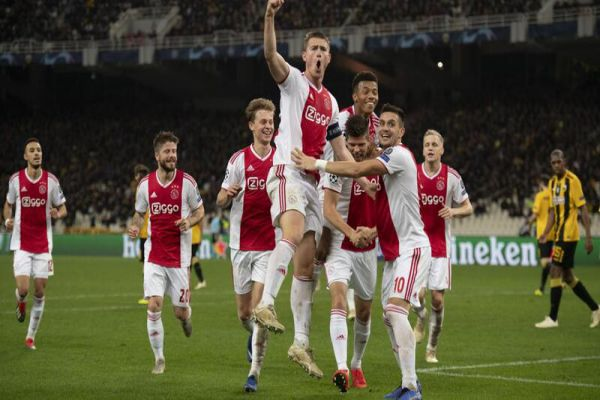 doi-bong-Ajax-Amsterdam-2